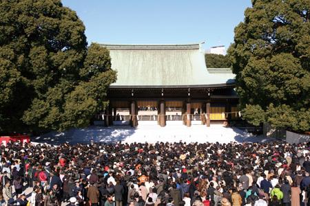 2018年のお正月はこれで決まり!毎年初詣者数全国トップの明治神宮にて初詣と、第94回箱根駅伝生観戦ツアー2泊3日の旅
