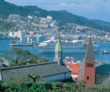 阪九フェリーで行く!北九州の神社めぐりとエキゾチック長崎!世界最大級のイルミネーション、ハウステンボスへ4日間