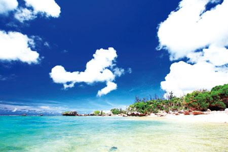 沖縄・八重山諸島クルーズ 美し海と麗し島へ【琉美の島 久米島】と【日本最西端 与那国島】