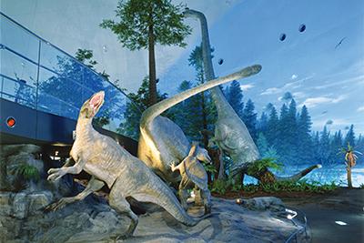 【古代へタイムスリップ!?夢とロマン溢れる】福井県立恐竜博物館と旬のいちご狩り
