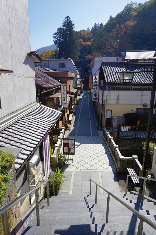本場のまつたけを食す「松茸小屋」でまつたけ三昧と別所散歩の旅